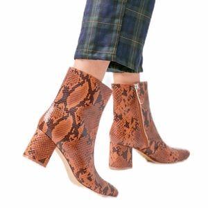UO Snakeskin Boots Vegan Brown Black NIB Size 9